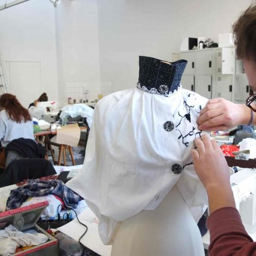 Design de mode et textile, à partir d'Alice au pays des merveilles de Lewis Carroll