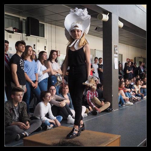 1STD2A - démarche créative / costumes et accessoires en papier (mars 2017)